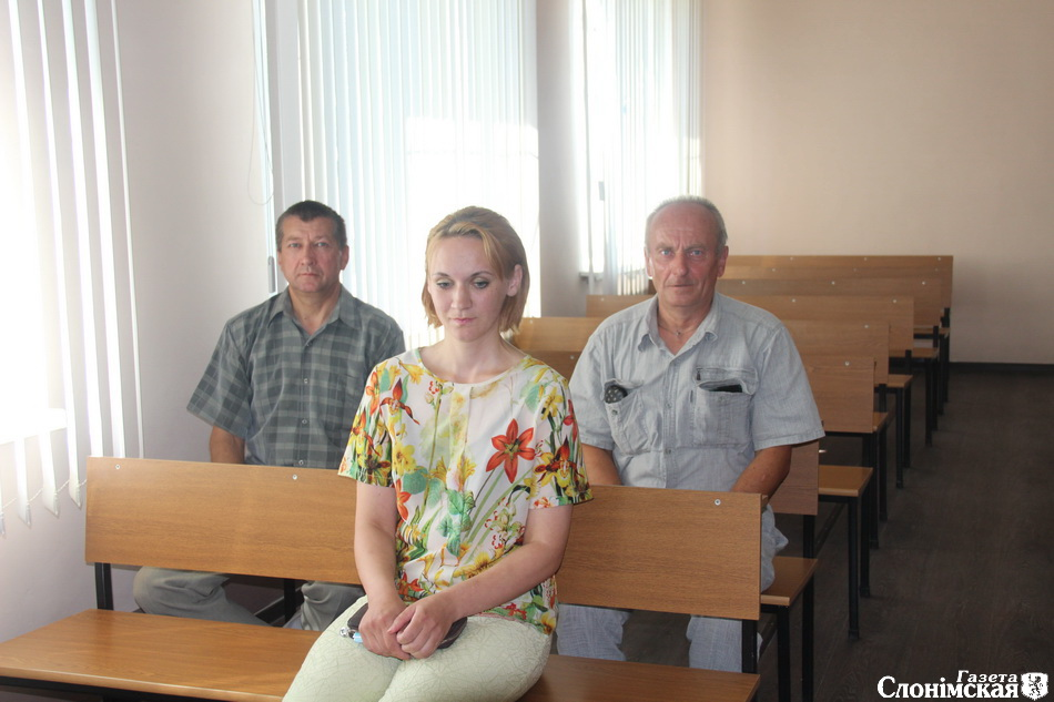 В зале заседания Алена Костикова