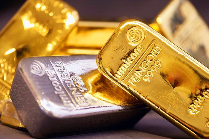 Полученные французом золотые слитки