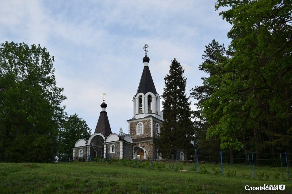 Храм святых Зосимы и Савватия в д. Великая Кракотка