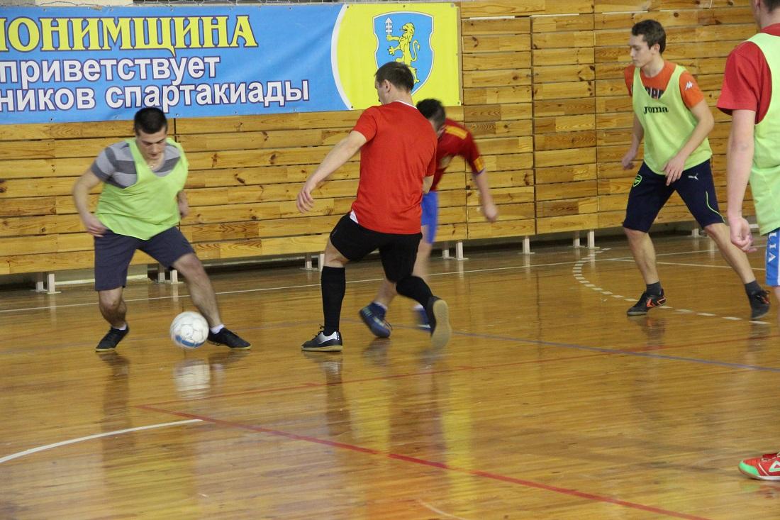 в Слониме, чемпионат по мини-футболу, играют любители