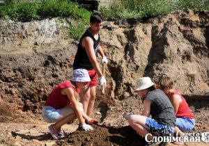 На раскопках возле Спасо-Преображенского собора в Слониме