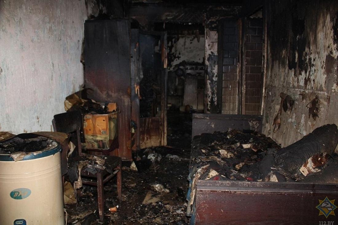 после пожара, в комнате