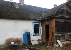 дом, после пожара, в Поречье, Гродненского района
