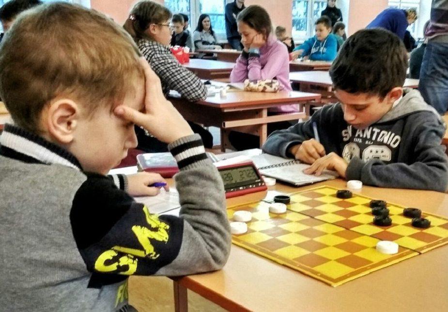 Марат Леў, шашыст, Слонім