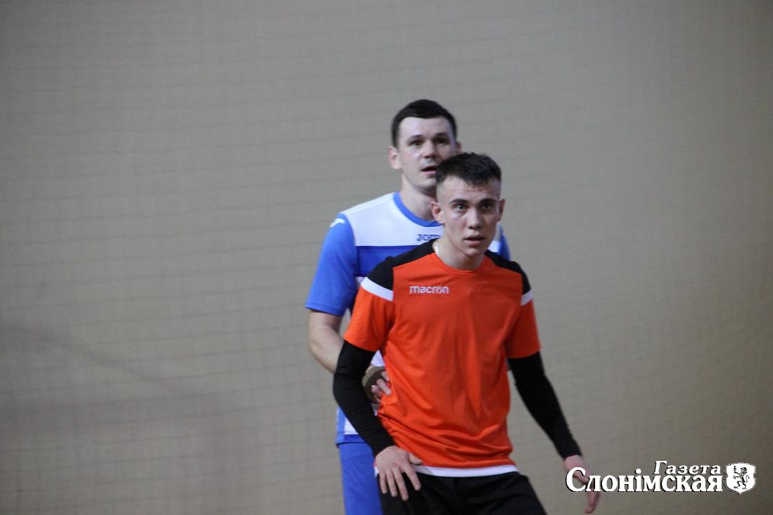 мини футбольная команда  2
