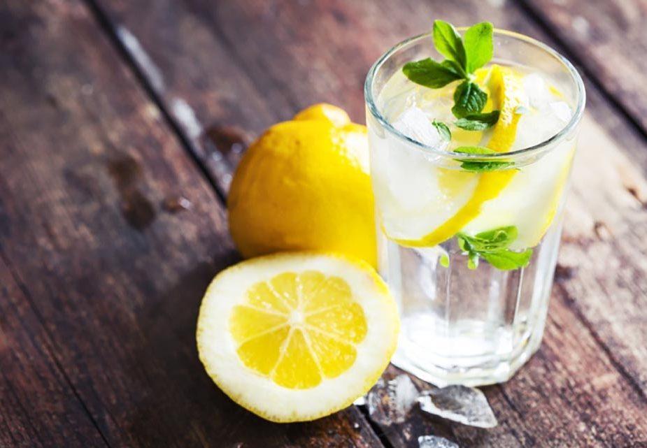 Что будет если пить воду с лимоном, ответили специалисты