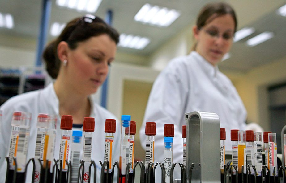 Коронавирус отнимает 13 лет жизни у мужчин и 11 у женщин
