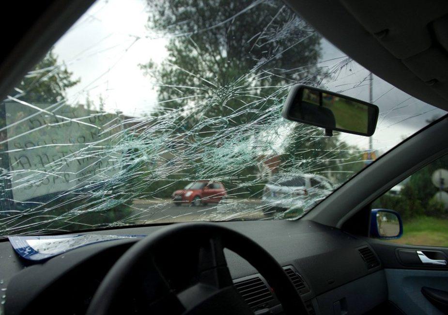 повреждены автомобили