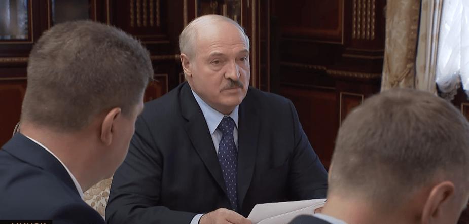 Лукашенко назвал зарплату в 1000 евро «несчастной»