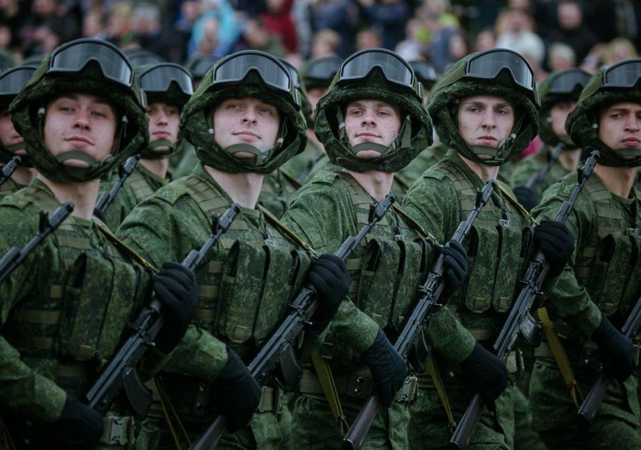 Военный источник: одно из лучших слонимских подразделений обеспечивает безопасность в Бобруйске