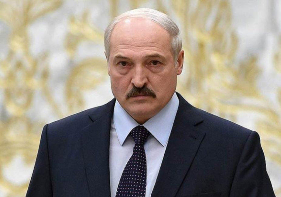 Лукашенко хочет поменять конституцию Беларуси