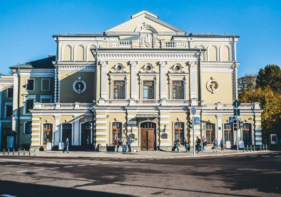 Заявления актеров и сотрудников Купаловского театра об увольнении удовлетворены.
