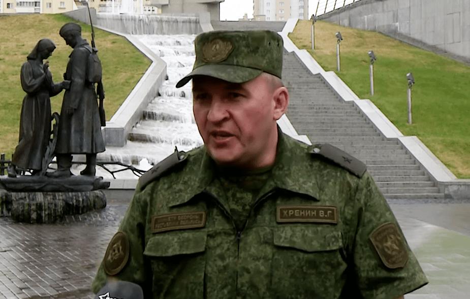 Министр обороны пригрозил армией