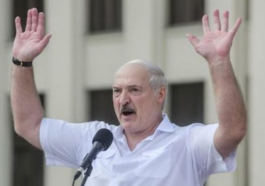 """Лукашенко:""""Если вы пойдете ломить — ответите"""""""