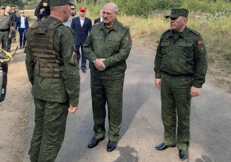 Лукашенко приехал к гродненским военным