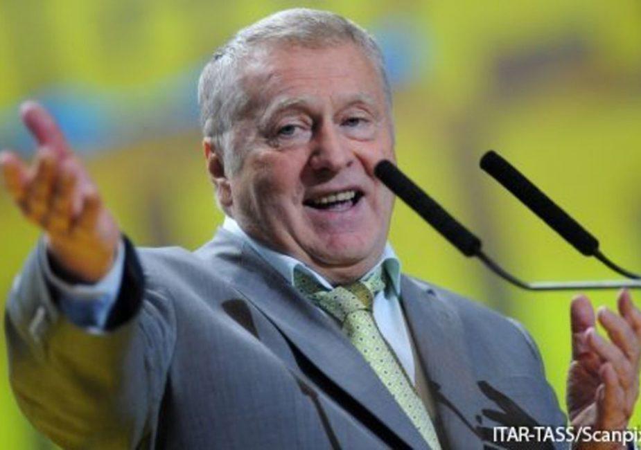 Жириновский призвал Лукашенко красиво уйти
