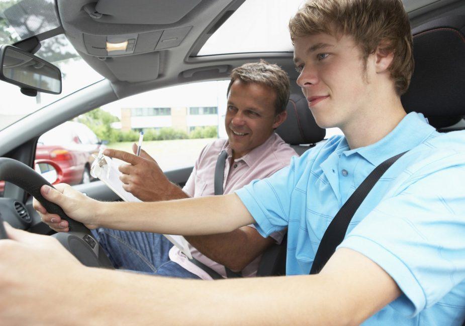 Список самых безопасных авто для начинающих водителей