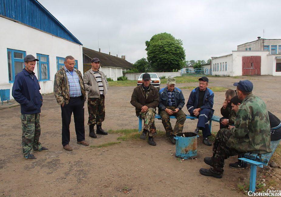 Рабочие срусп «Новодевятковичи»,