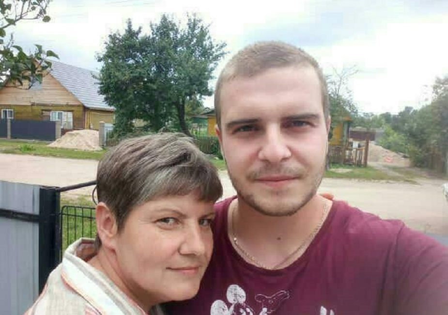 Максим Кучинский с мамой