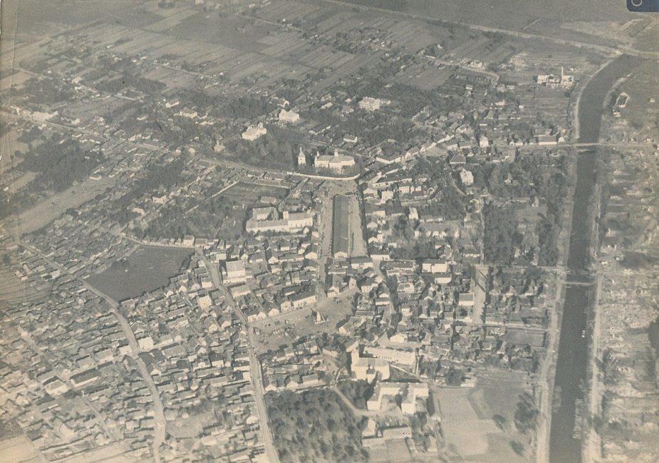Фото 6. Аэросъемка Слонима 1915 год, вид пожарного депо с каланчой