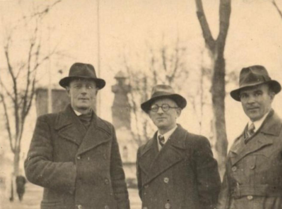 Фотография Слонима начала ХХ века с видом на заднем плане пожарной каланчи
