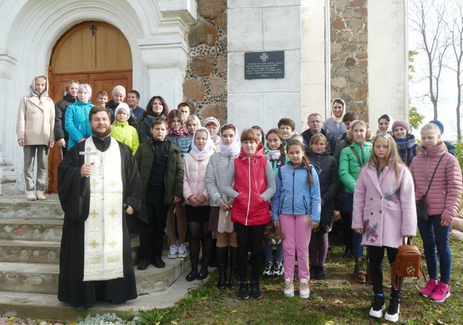 В деревне Поречье Слонимского района открыли мемориальную доску в честь Александра Горячко