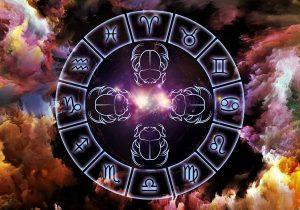Каким знакам зодиака повезет в середине осени
