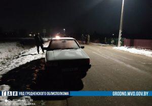 В Зельве женщина на авто насмерть переехала спящего на дороге мужчину