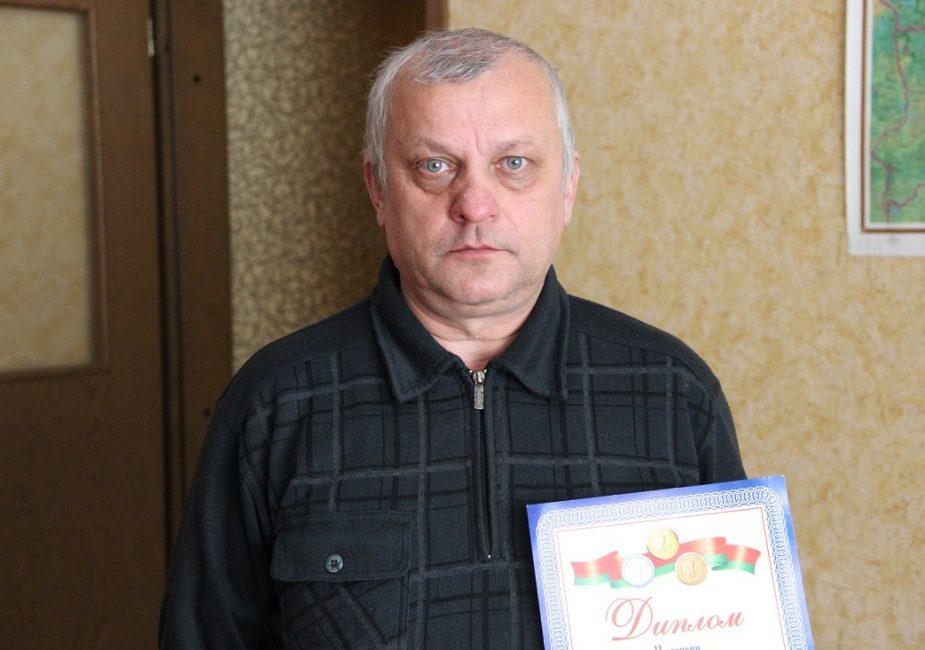 Владимир Литвин c дипломом