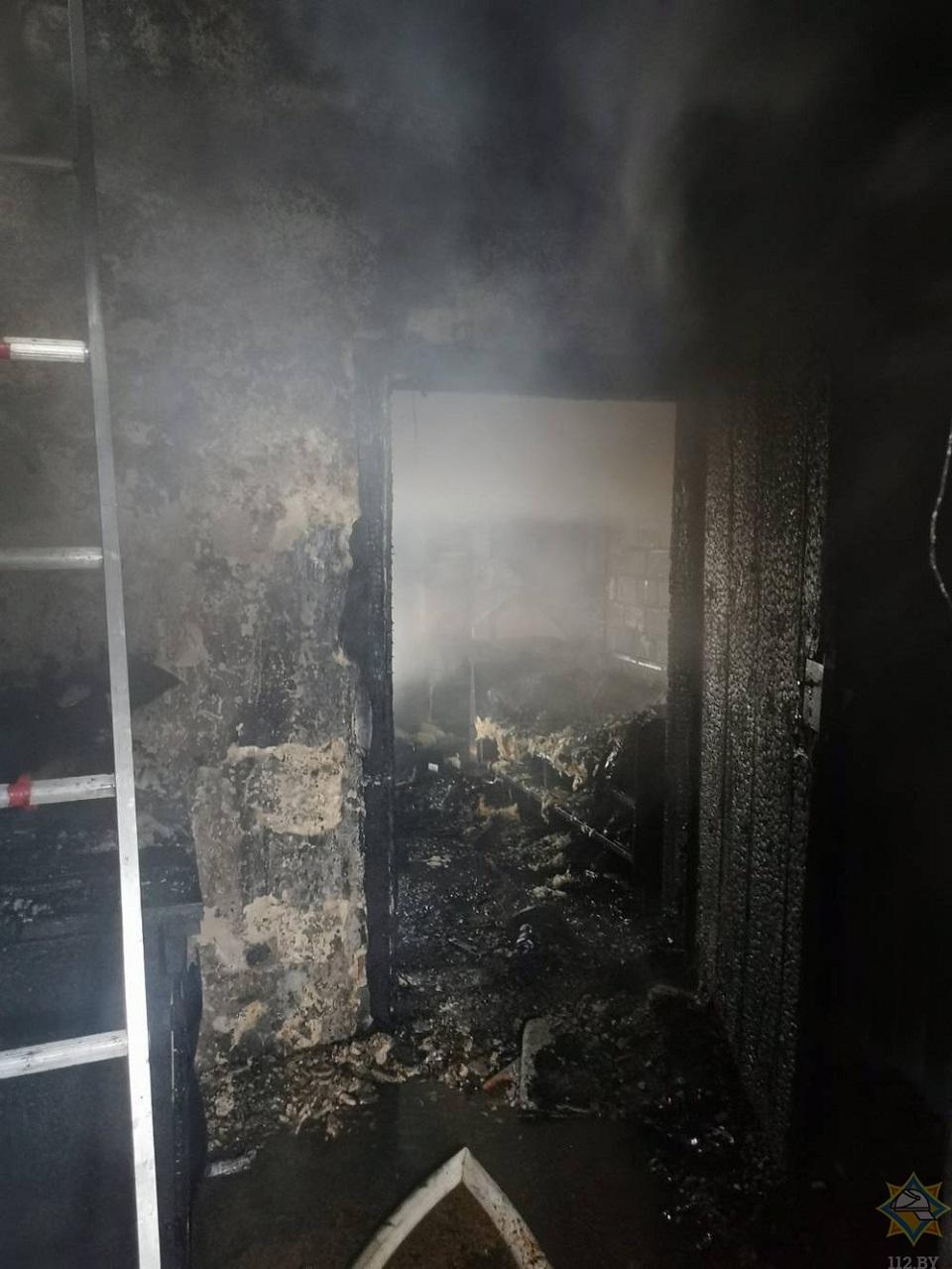 У доме пасля пажару