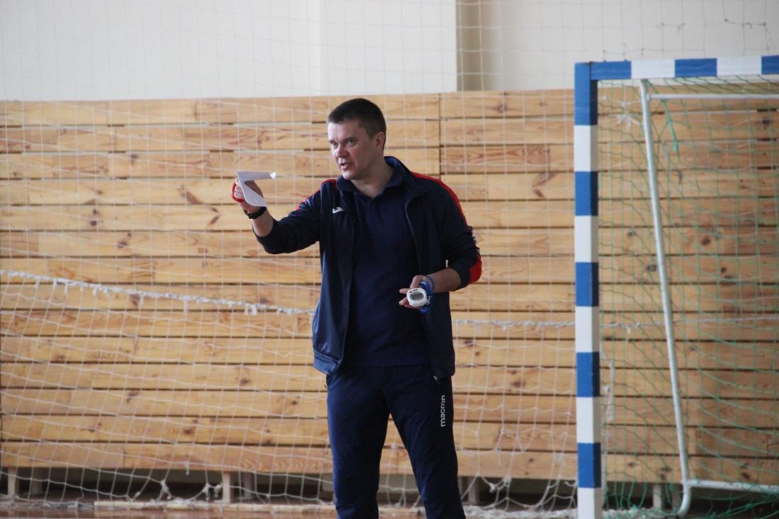 Гл. тренер Игорь Слесарчук