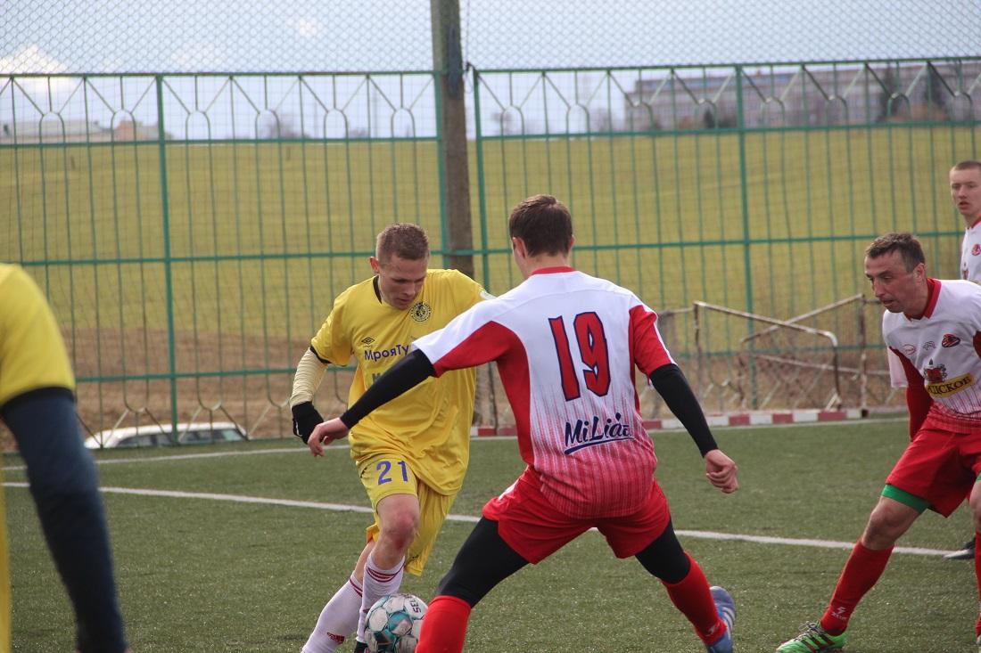 Евгений Баль с мячом