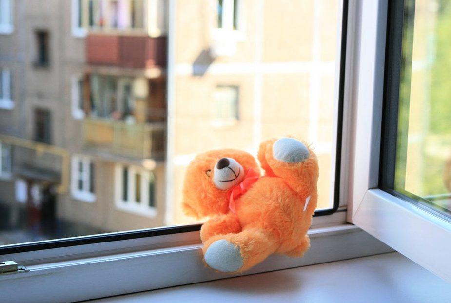 Девочка выпала из окна в Волковыске