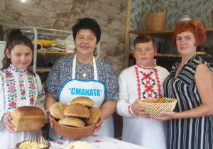 Предприниматель Ольга Перехвал идет по жизни с Богом, с душой печет ароматный хлебушек и производит молочную продукцию