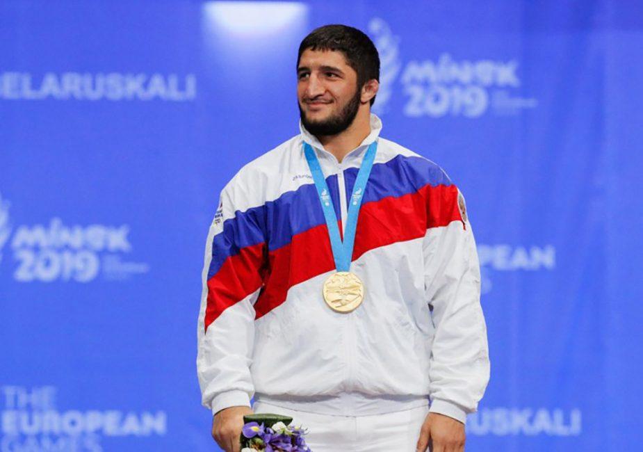 Российский депутат подарил 1 миллион долларов олимпийскому чемпиону