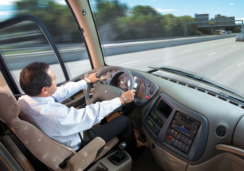 Сегодня в Беларуси водители могут бесплатно воспользоваться услугами общественного транспорта